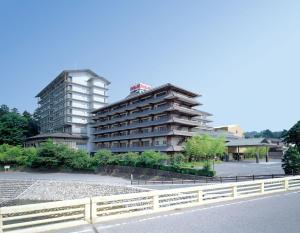 Такасаки - Shitakirisuzumeno Oyado Hotel Isobe Garden