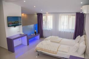 Бухарест - Hotel Christina Plus