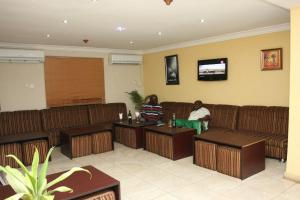 Potters Continental Suites