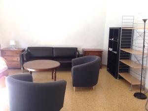 Three-Bedroom Apartment near Via Tornabuoni