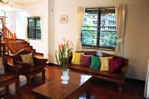 PiriyaChitra House