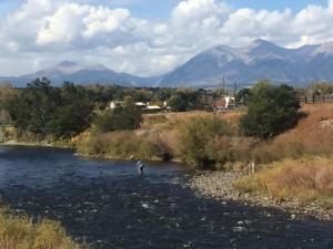 River Time, Дома для отпуска  Salida - big - 3