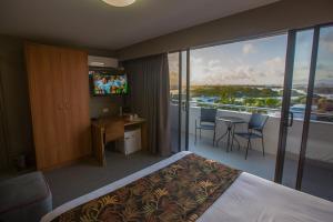 Gladstone Reef Hotel Motel