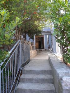 Apartments Markovic Sutomore