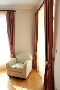 Apartment at Hillside Village, Apartmány  Bozhurets - big - 43