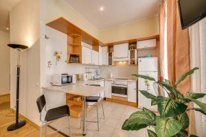 Apartment on Nevsky prospect 23