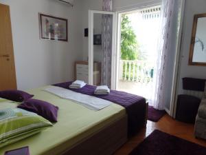 Apartment 4M