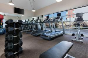 Fitness center Global Luxury Suites at South Beach SF