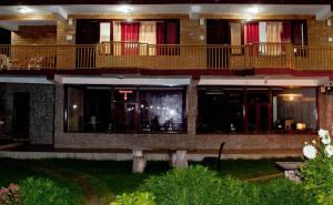Hotel Himalayan River & Camping