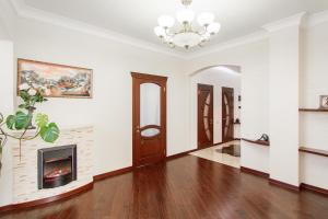 Comfort in Historical Center of Odessa, Apartments  Odessa - big - 8