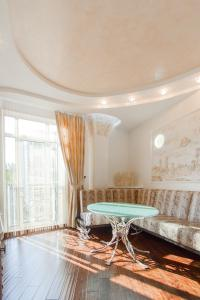 Comfort in Historical Center of Odessa, Apartments  Odessa - big - 13