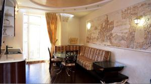 Comfort in Historical Center of Odessa, Apartments  Odessa - big - 1