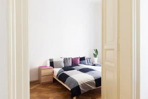 Hanan's Pštrossova, Apartmány  Praha - big - 17