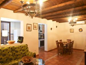 Los Cazadores, Bed & Breakfast  El Gastor - big - 22