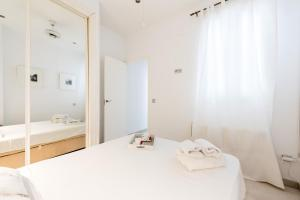 Canal De Isabel II, Apartmanok  Madrid - big - 23