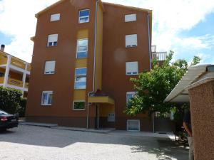 Apartments Kamova 1