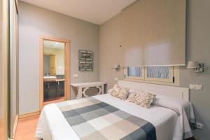 FERNANFLOR PREMIUM. (LUXURY APARTMENT), Apartmány  Madrid - big - 17