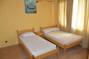 Nelina Guesthouse, Guest houses  Bozhurets - big - 10