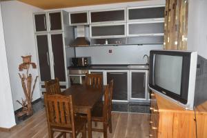 Nelina Guesthouse, Гостевые дома  Божурец - big - 14