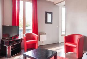 Apartment views on Montmartre/Sacré-Coeur