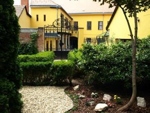 佩奇西多會旅館 (Ciszterci Ház Pécs)