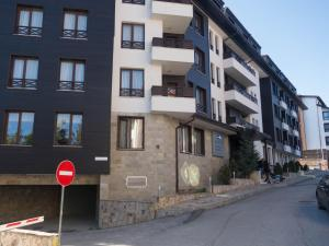 Nikolovi Apartments, Apartmány  Bansko - big - 41