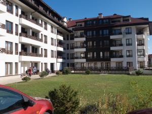 Nikolovi Apartments, Apartmány  Bansko - big - 42