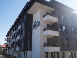 Nikolovi Apartments, Apartmány  Bansko - big - 43