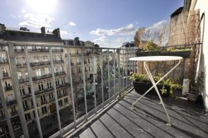 Classic Balcony Saint Germain Paris ( 6 arr )