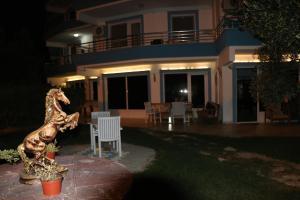 Apart Hotel Ege, Penziony  Ayvalık - big - 61
