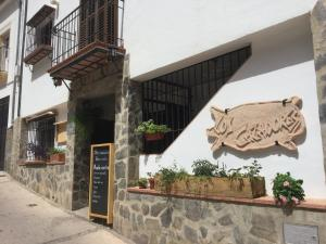 Los Cazadores, Bed & Breakfast  El Gastor - big - 17