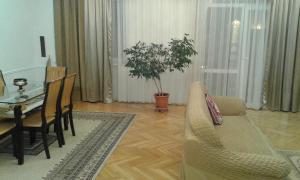 Апартаменты Проспект Нефтяников - фото 22
