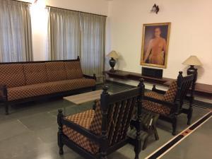 Paliyam Villa