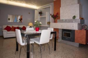 La Piazza, Appartamenti  Santa Vittoria in Matenano - big - 4