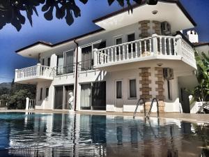 Altas Holiday Homes