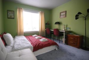 (3D) Cozy Private Room with King Bed near Daly City BART Subway Station