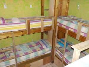 Roatan Backpackers' Hostel, Hostelek  Sandy Bay - big - 24