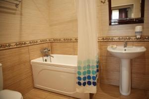 Hotel Okean, Hotely  Derbent - big - 32
