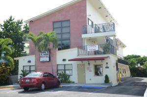 Carl's El Padre Motel