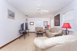 Seaside Bungalow 65 - Vilano Beach Three Bedroom Home, Dovolenkové domy  Vilano Beach - big - 17