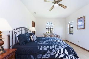 Seaside Bungalow 65 - Vilano Beach Three Bedroom Home, Prázdninové domy  Vilano Beach - big - 13