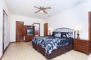 Seaside Bungalow 65 - Vilano Beach Three Bedroom Home, Prázdninové domy  Vilano Beach - big - 19