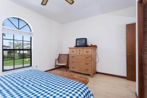 Seaside Bungalow 65 - Vilano Beach Three Bedroom Home, Prázdninové domy  Vilano Beach - big - 11