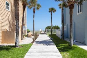 Seaside Bungalow 65 - Vilano Beach Three Bedroom Home, Dovolenkové domy  Vilano Beach - big - 5