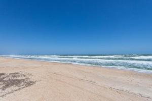 Seaside Bungalow 65 - Vilano Beach Three Bedroom Home, Prázdninové domy  Vilano Beach - big - 3