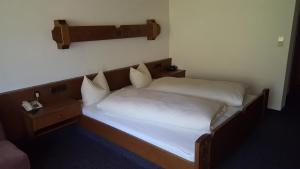 Hotel Garni, Варт