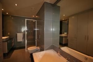 705 Cape Royale, Apartments  Cape Town - big - 17