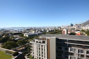 705 Cape Royale, Apartments  Cape Town - big - 13