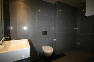 705 Cape Royale, Apartments  Cape Town - big - 11