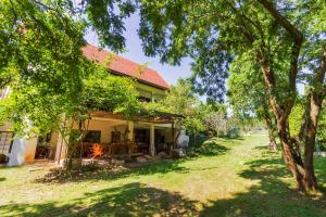 Little Garden Cottage By Favstay, Apartmány  Mu Si - big - 40